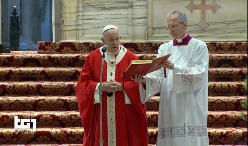 Papa Francesco, Messa a San Pietro