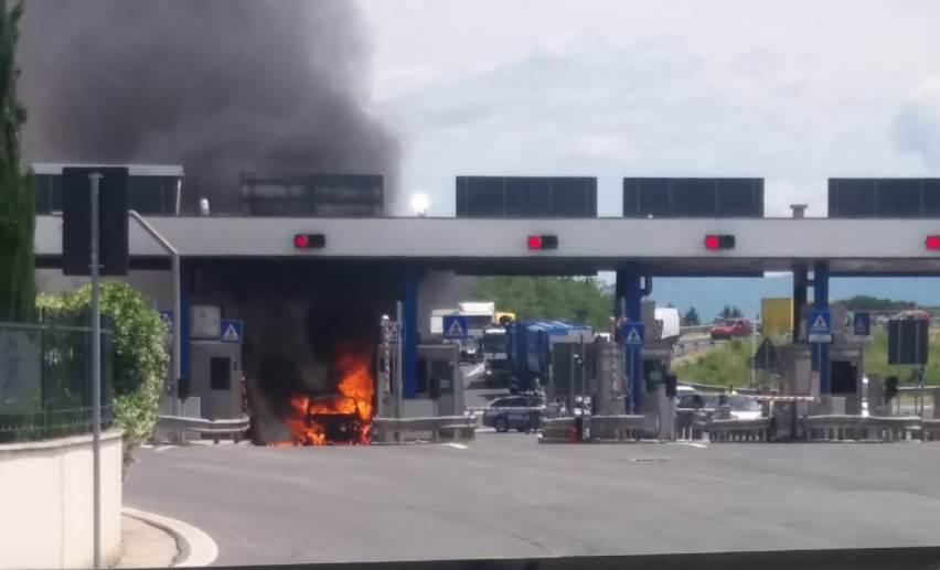 Auto fiamme Valmontone