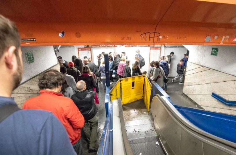 metro blocco scale mobili