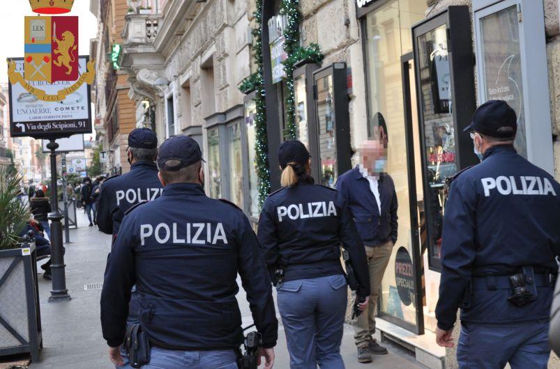controlli assembramenti roma polizia