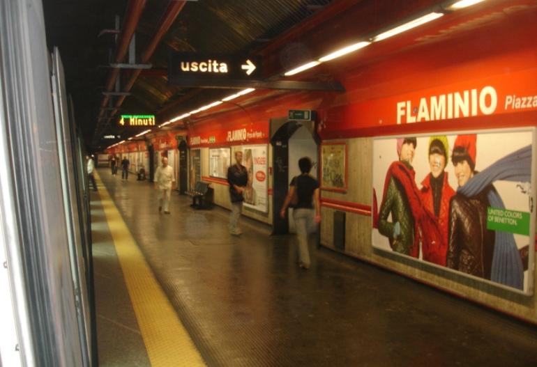 assembramenti metro spagna flaminio