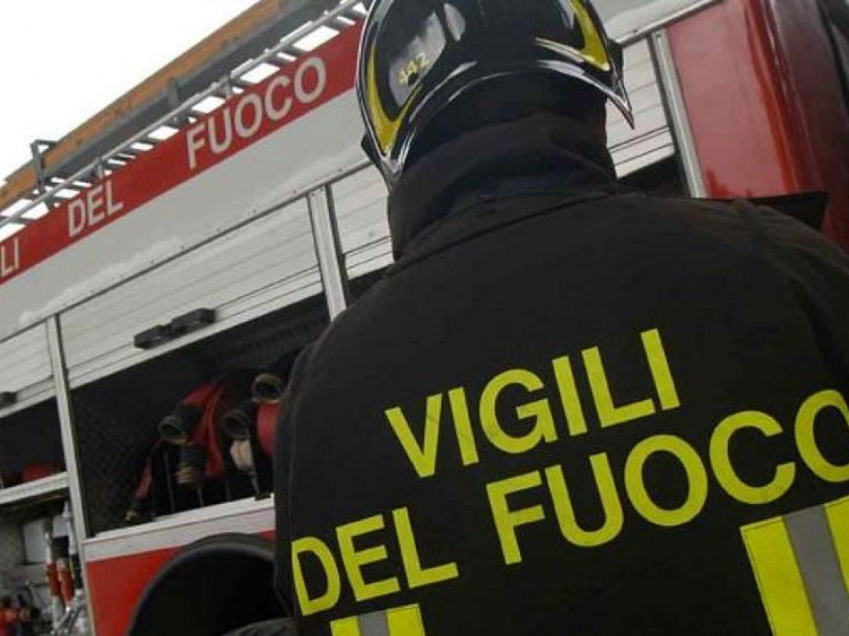 roma incendio vigili del fuoco laurentino donna morta