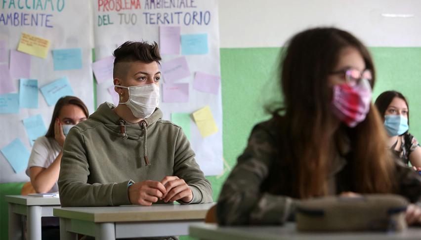 classe scolastica nella pandemia