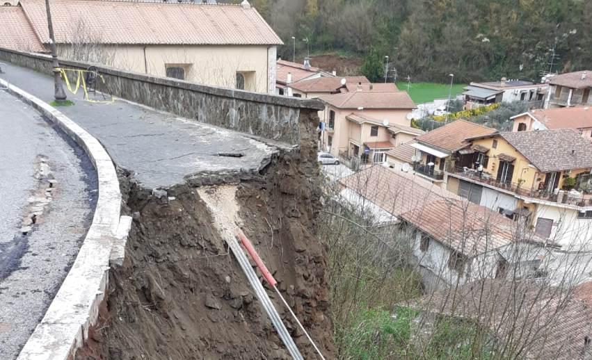 Valmontone, crollo via Nuova