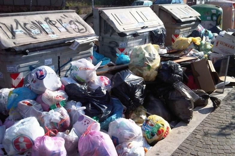 rifiuti emergenza roma ama