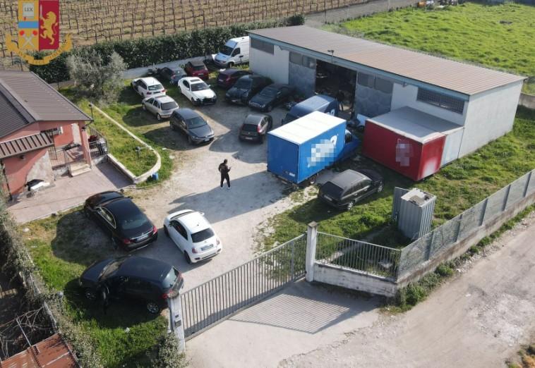 capannone borghesiana pezzi auto rubati polizia di stato ricettazione