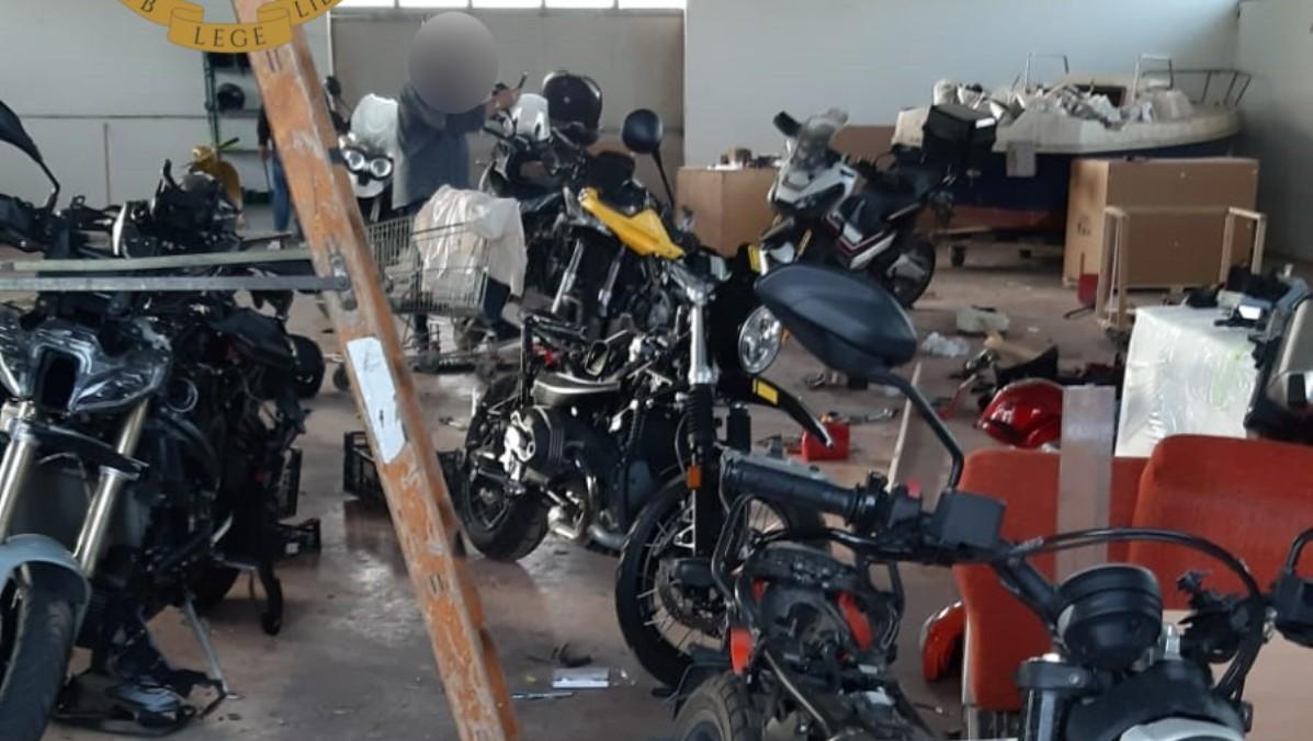 capannone moto rubate ardea polizia di stato