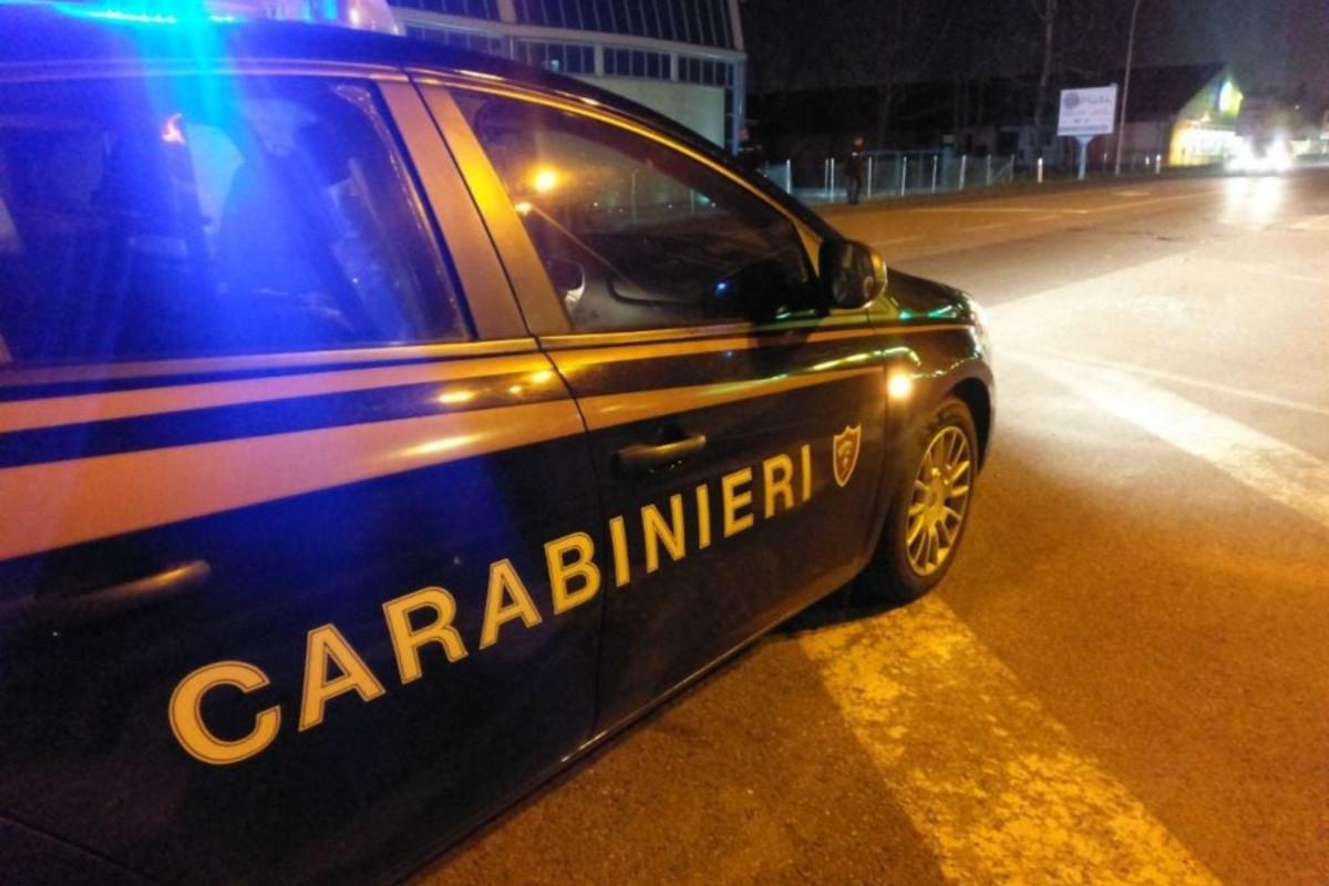 auto Carabinieri notte