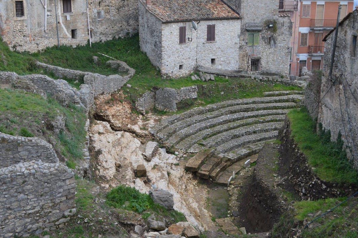 L'antico teatro romano di Ferentino, che sorge nel quartiere Santa Lucia