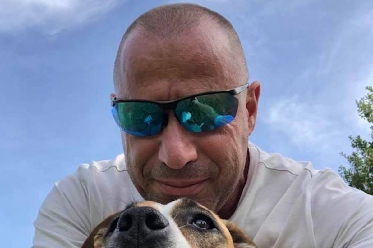 Un selfie di Candido Avezzù con il proprio cane