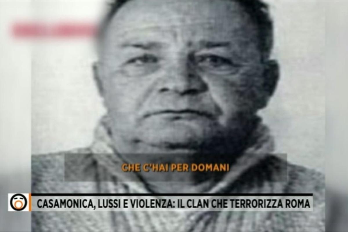 Un frame delle intercettazioni in cui è coinvolto Ferruccio Casamonica, capo famiglia del clan mafioso